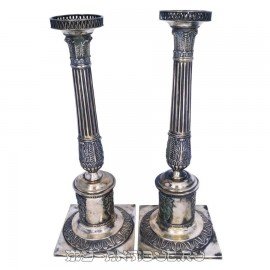 Подсвечники в форме колонн