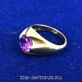 Золотое женское кольцо