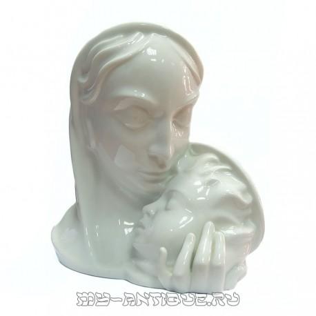 Фигура «Материнство»