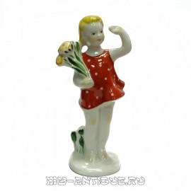 Фигура «Девочка с букетом»