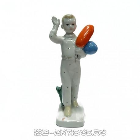Фигура «Мальчик с шарами»