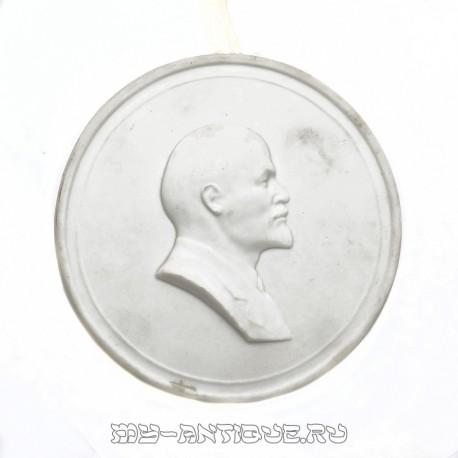 Барельев «Ленин»