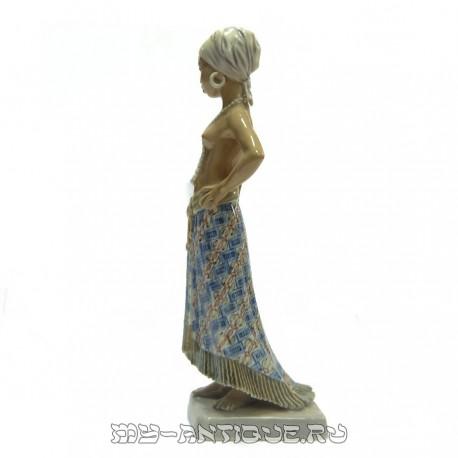 Статуэтка «Девочка из Ист Сьерра Лионе»