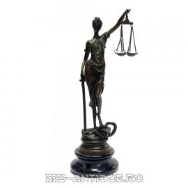 Скульптура «Фемида»