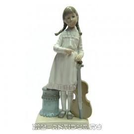 Фигура «Девочка с виолончелью»