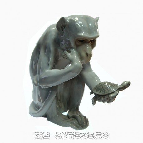 Фигура «Обезьяна смотрит на черепаху»