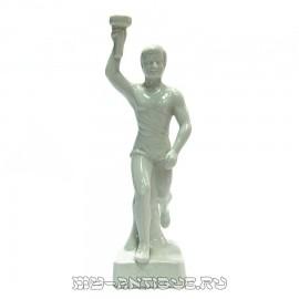 Статуэтка «Факелоносец»