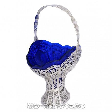 Ваза резная с синим стеклом